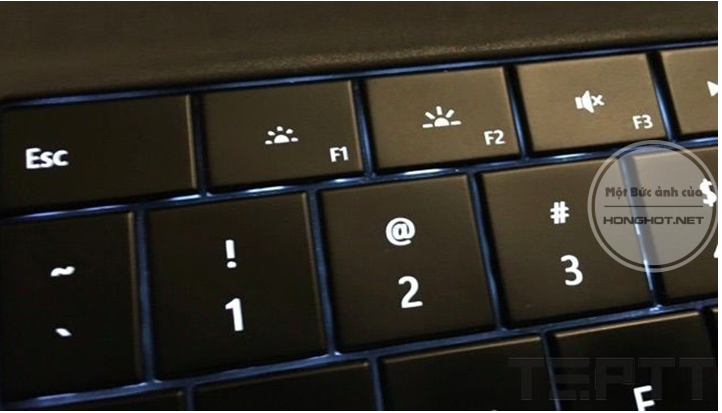 Sử dụng bộ phím chức năng trên bàn phím
