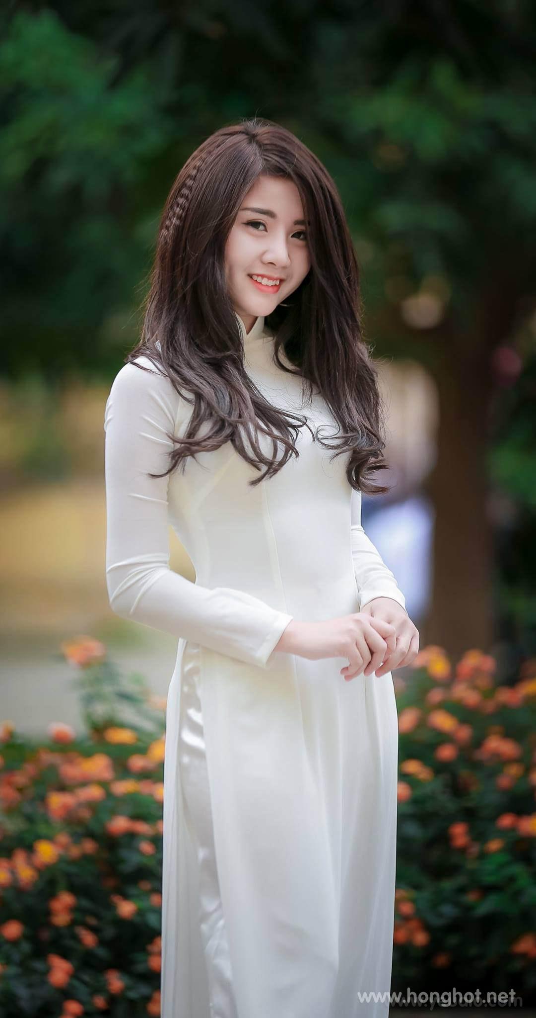 Hình nền girl xinh mặc áo dài đẹp cho điện thoại 1